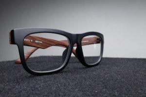 Γυαλιά και οι φακοί επαφής για την αντιμετώπιση του αστιγματισμού