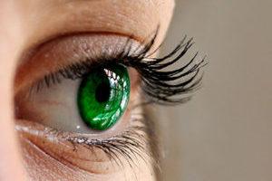 Οι έγχρωμοι φακοί επαφής έχουν την δυνατότητα να αλλάζουν το φυσικό χρώμα της ίριδας.