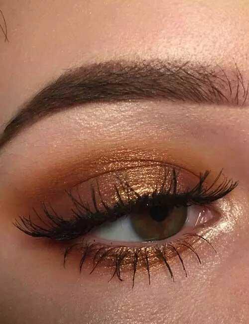 Το χαριτωμένο χρυσο–χάλκινο look
